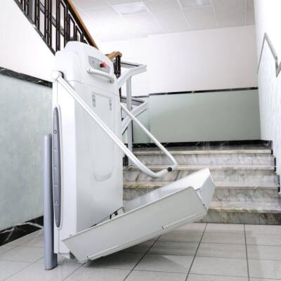 plataforma salvaescaleras escaleras tramo curvo supra thyssenkrupp access