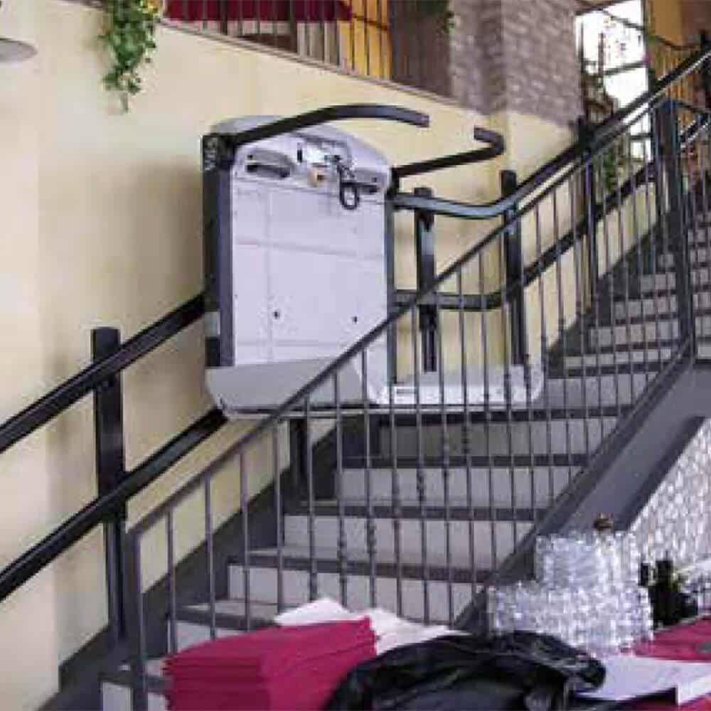 plataforma salvaescaleras escaleras tramo curvo vimec v65