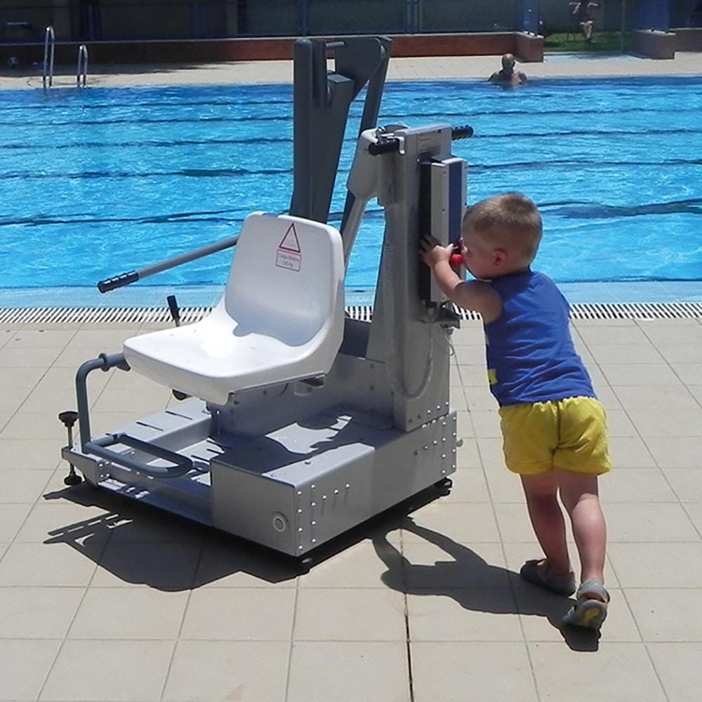 sillas gruas ascensor acuatico piscinas ancianos minusvalidos e40 metalu