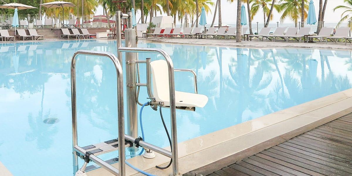 piscinas comunitarias accesibles normativa soluciones accesibilidad