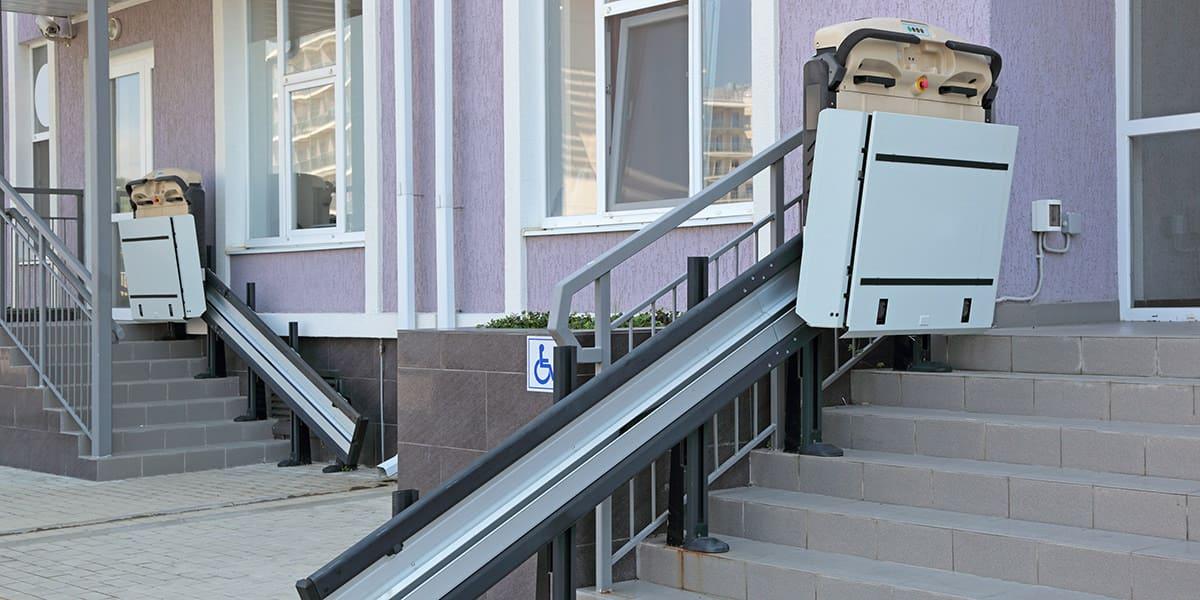 plataformas elevadoras salvaescaleras inclinadas