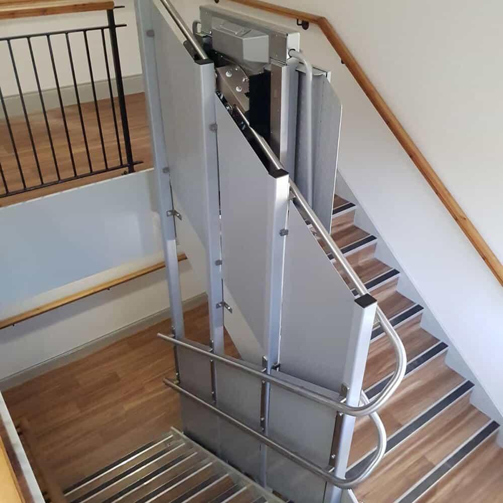 plataforma salvaescaleras escaleras tramo curvo plk8 ascendor liftechnik